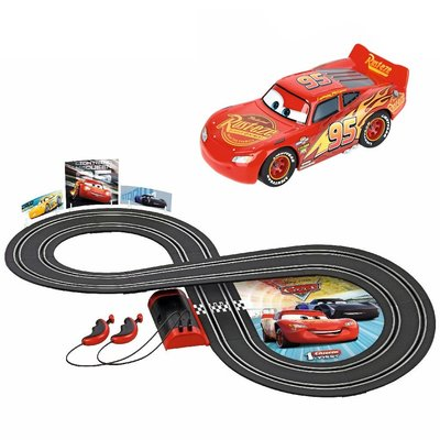 Carrera First Disney Cars Racebaan 2,4 m + 2 Autos