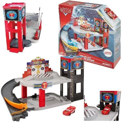 Disney Cars 3 Piston Cup Racing Garage Assorti